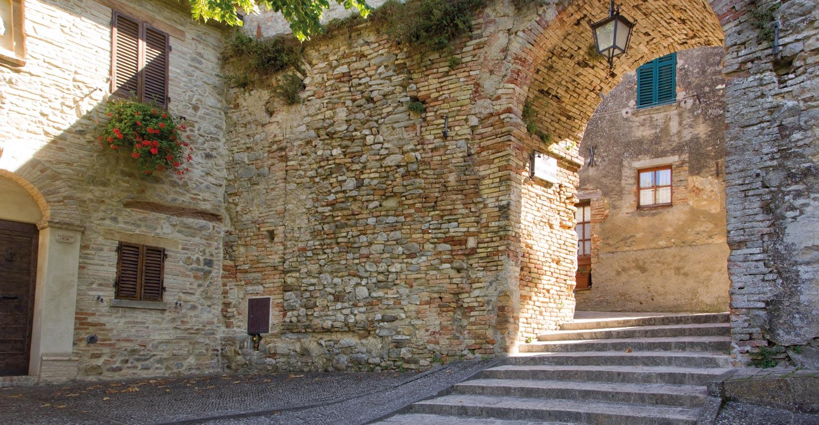 Montone E La Valle Del Carpina T Guido La Guida Dell